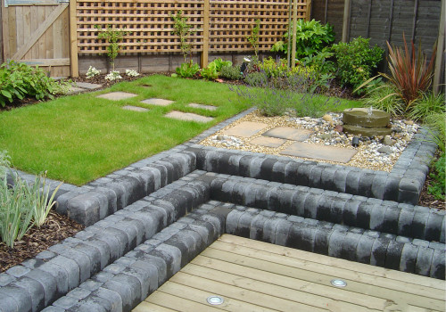 Paving and decorative aggregates for small gardens - Gallery Image