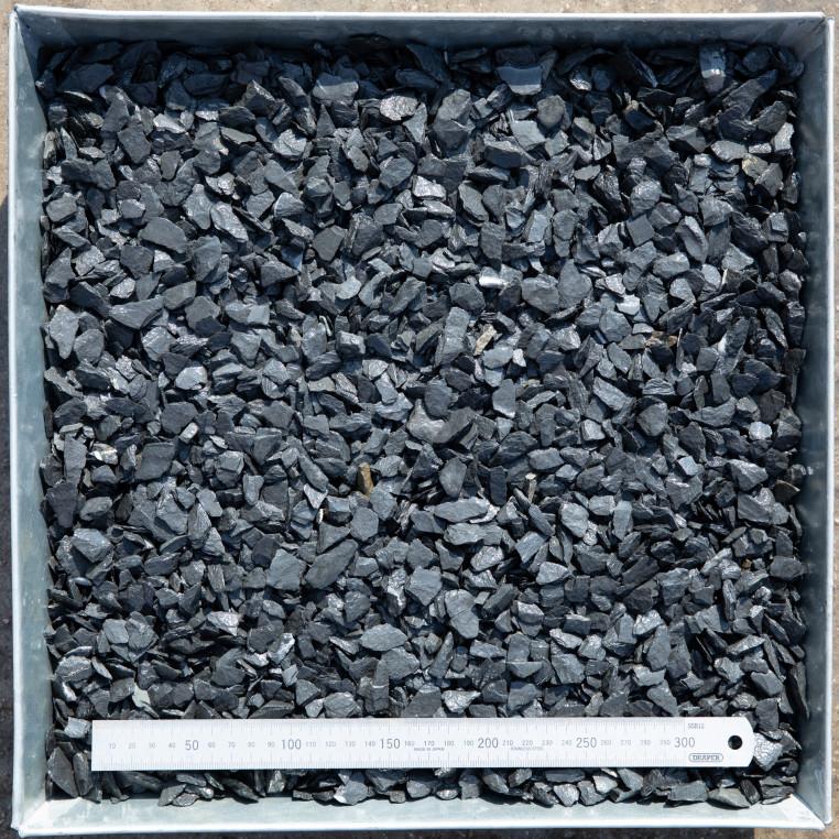 South Lakeland Blue Slate chippings 10 MM